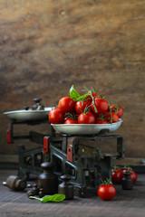 organic cherry tomatoes for salad