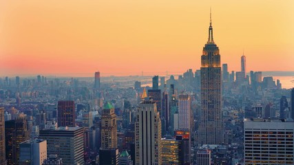Fototapete - Panoramic view on Manhattan at sunset, New York City.