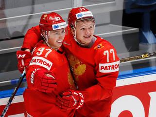 Ice Hockey World Championships - Quarterfinals - Russia v USA