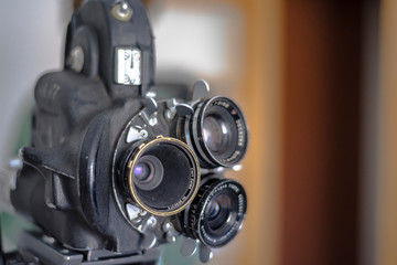 cámara de cine 16mm trióptica