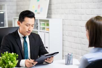 male boss interview a woman
