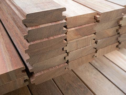 Tropenholz - Hartholz - Profilbretter - Nut und Feder
