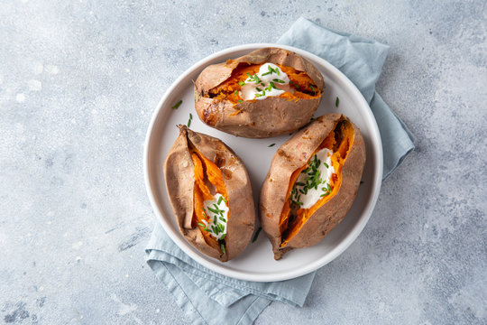 baked sweet potato with yogurt sause and chives