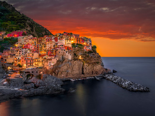 Manarola bei Nacht, Cinque Terre, La Spezia, Ligurien, Italien, Europa