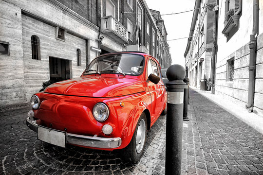Red fiat 500 in italy color splash