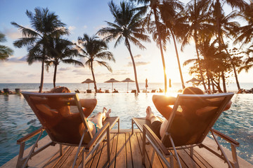 luxury travel, romantic beach getaway holidays for honeymoon couple, tropical vacation in luxurious hotel Fototapete