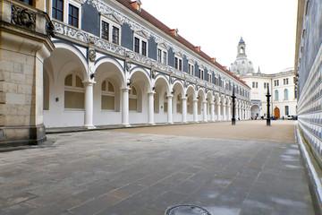 Fototapete - Dresden: Residenzschloss, Stallhof