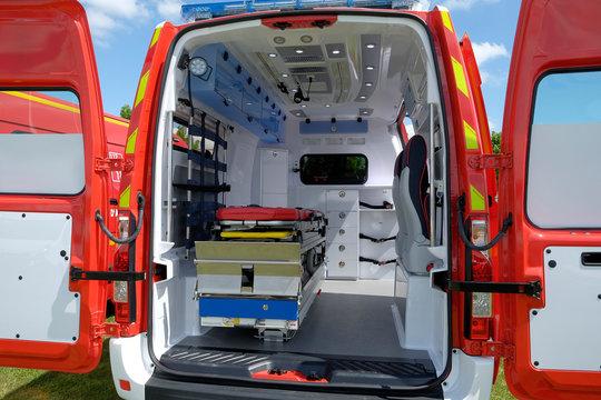 intérieur d'ambulance
