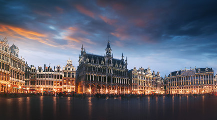 Keuken foto achterwand Brussel Grand Place in Brussels at night, Belgium