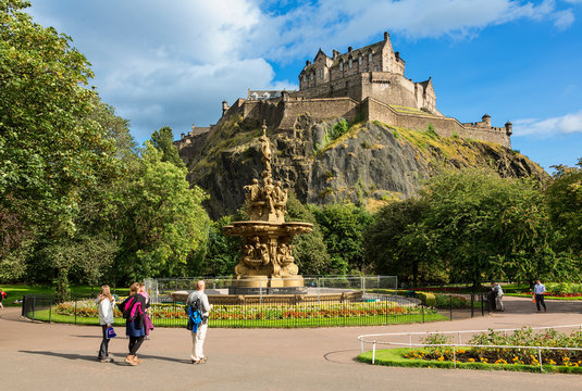 Edinburgh Castle and the Ross Fountain as seen from Princes Street Gardens