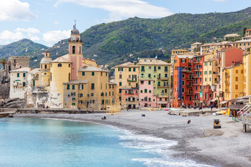 Foto op Plexiglas Stad aan het water Camogli, Italy. 04-29-2019. Beach and colored houses at Camogli. Liguria. Italy.