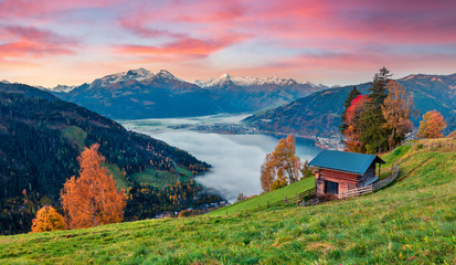 Fantastic morning scene of Zell lake. Great autumn sunrise view of Austrian town - Zell am See, south of the city of Salzburg. Beauty of nature concept background. Fototapete
