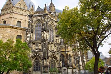 Der Dom zu Aachen, eine Sehenswürdigkeit im Westen von Deutschland Wall mural