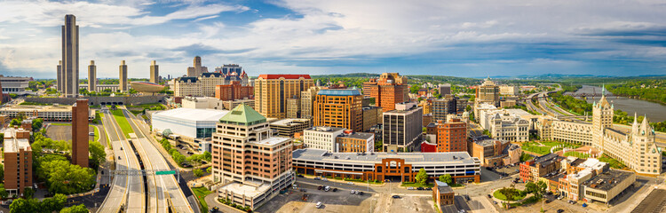 Fotomurales - Aerial panorama of Albany, New York downtown. Albany is the capital city of the U.S. state of New York and the county seat of Albany County