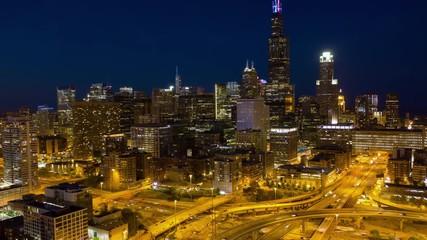 Fototapete - Chicago night evening hyperlapse timelapse buildings skyline downtown