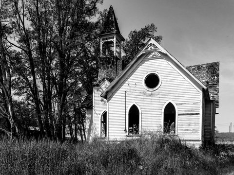 Old abandon church in Grass Valley Oregon in black and white
