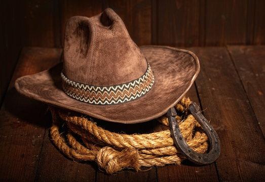 horseshoe hat lasso