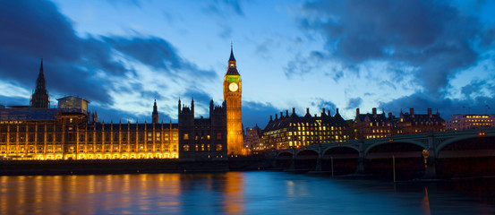 Big Ben and Westminster palace in London at night. abstract colorful image Fototapete
