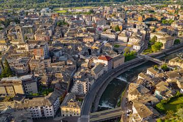 Sondrio - Valtellina (IT) - Vista panoramica della città all'alba