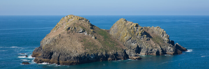 Fototapete - Gull Rocks Holywell Bay North Cornwall panoramic view