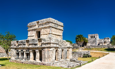 Montage in der Fensternische Altes Gebaude Ancient Mayan ruins at Tulum in Mexico