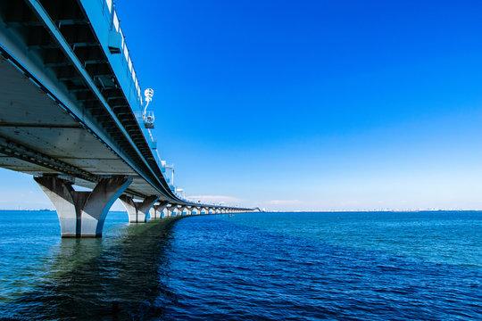 アクアラインと東京湾