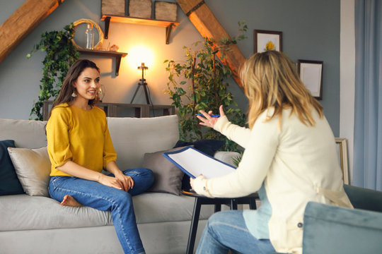 Psychologist having session with her female patient