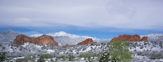 Colorado Springs, Garden of the Gods and Pikes Peak landscape