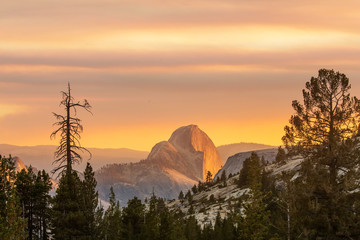 Spectacular views of the Yosemite National Park in autumn, Calif Wall mural