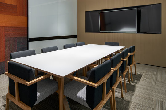 Small meeting room construction space