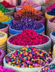 Foto op Plexiglas Marokko Multicolored dried flowers on sale in the souks of Marrakesh's medina in Morocco