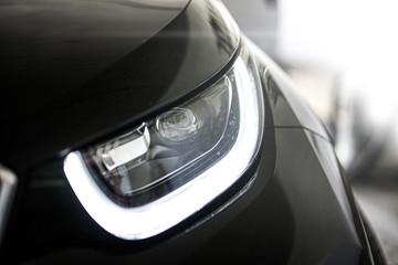 Moderner Auto Scheinwerfer
