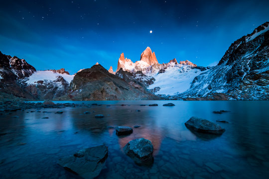 Fitz Roy mountain at sunrise, Patagonia, Argentina