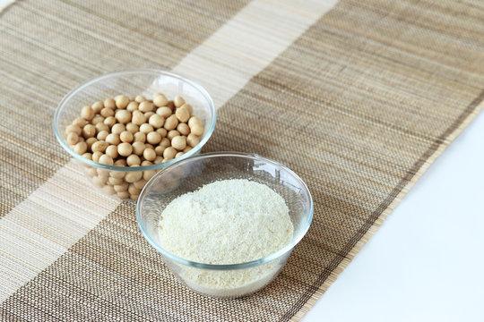 日本国産 おからパウダーと大豆