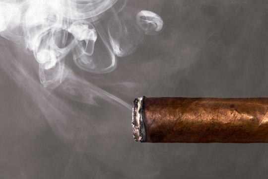 smoking cigar nicotine addiction