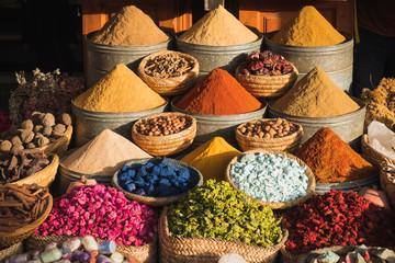 Foto op Plexiglas Marokko Colorful spices at a traditional market in Marrakech, Morocco