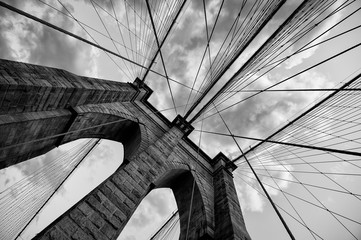 Zelfklevend Fotobehang Brooklyn Bridge Brooklyn Bridge New York City close up architectural detail in timeless black and white