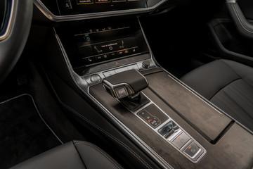 Top executive car automatic gear shifter