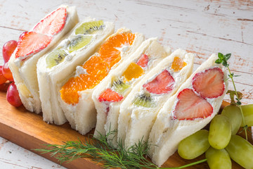 Foto auf Acrylglas Fastfood フルーツサンドウィッチ Beautiful and delicious fruit sandwich