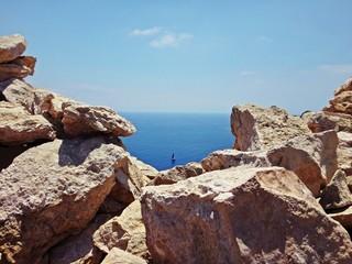 Żaglówka na morzu - Malta