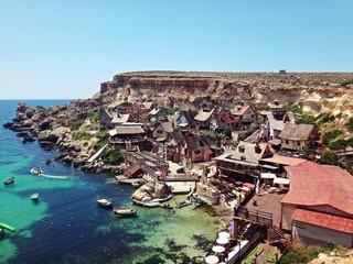 Widok z góry na Wioskę Popeya na Malcie