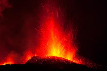 Autocollant pour porte Volcan Volcano Eyjafjallajökull. Iceland. April 2010. Erupción volcánica en el area de Fimmvörduhals, Sur de Islandia