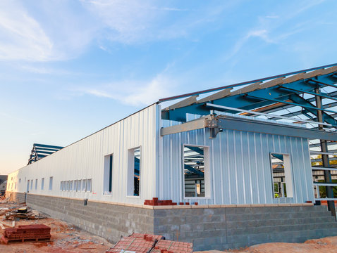 construction of a metal warehouse