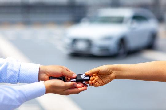 高級車 整備 セールスマン メカニック テクニシャン メンテナンス 女性 男性 名車 個人 ビジネス