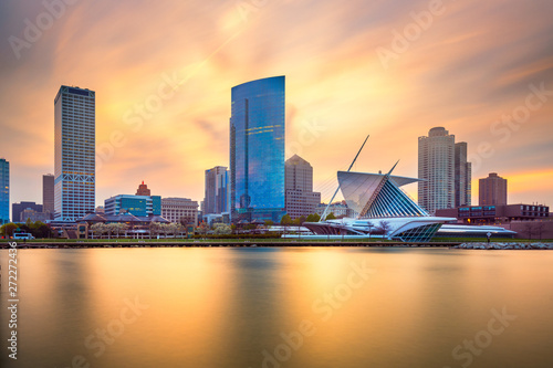 Fototapete Milwaukee, Wisconsin, USA downtown city skyline on Lake Michigan