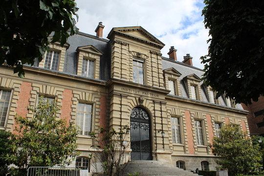 Institut Pasteur à Paris.