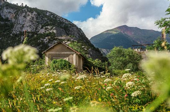 Rural house besides the Pyrenees mountain range