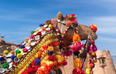 Poster Kameel Beautiful decorated Camel at Bikaner camel festival in Rajasthan, India