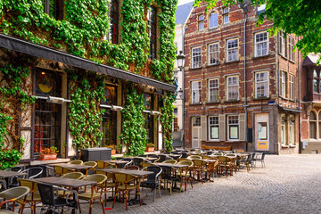 Foto op Aluminium Antwerpen Old street of the historic city center of Antwerpen (Antwerp), Belgium. Cozy cityscape of Antwerp. Architecture and landmark of Antwerpen