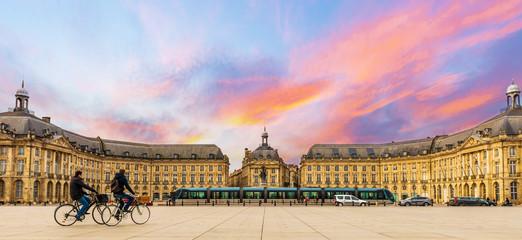 Place de la bourse à Bordeaux en Nouvelle-Aquitaine, France